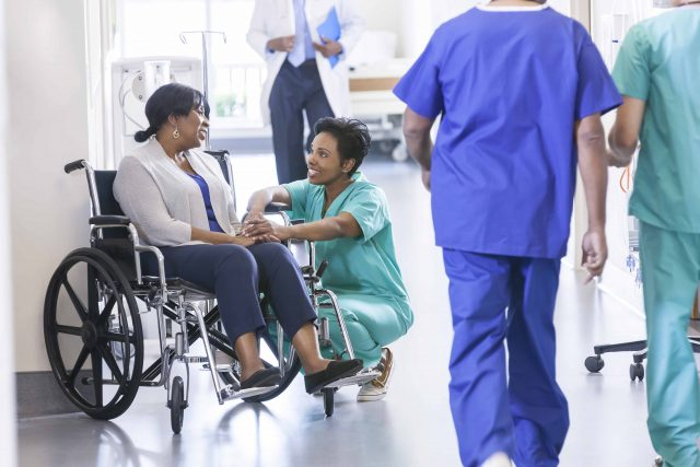 What are the benefits of effective communication in healthcare?