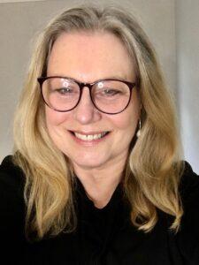 Jennifer Van Sijll